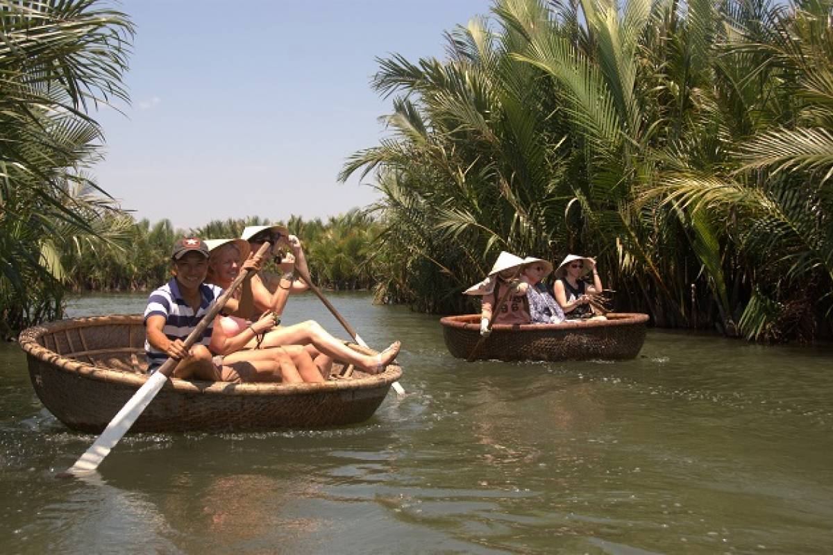 Viet Ventures Co., Ltd Private tour Vietnam authentic experience 14 days