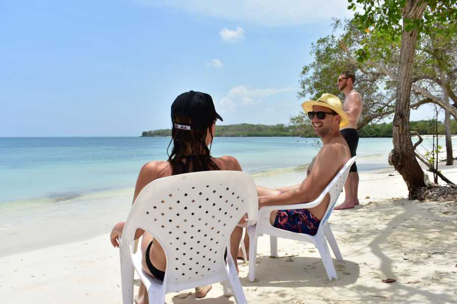 Backpackers 1. Rosario Islands Tour
