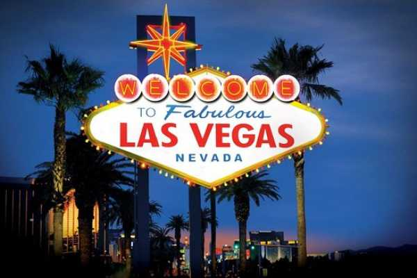 "Southern California Ticket & Tour Center Plan L-2: 3 Nights/4 Days- ""Las Vegas Deluxe"" Package"