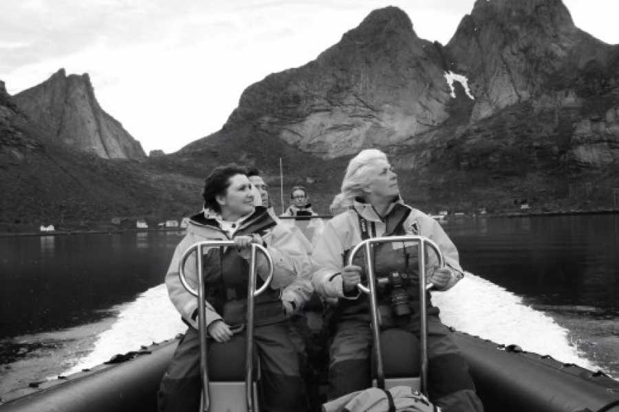 Aqua Lofoten Coast Adventure AS Sightseeing in the fjords of Reine