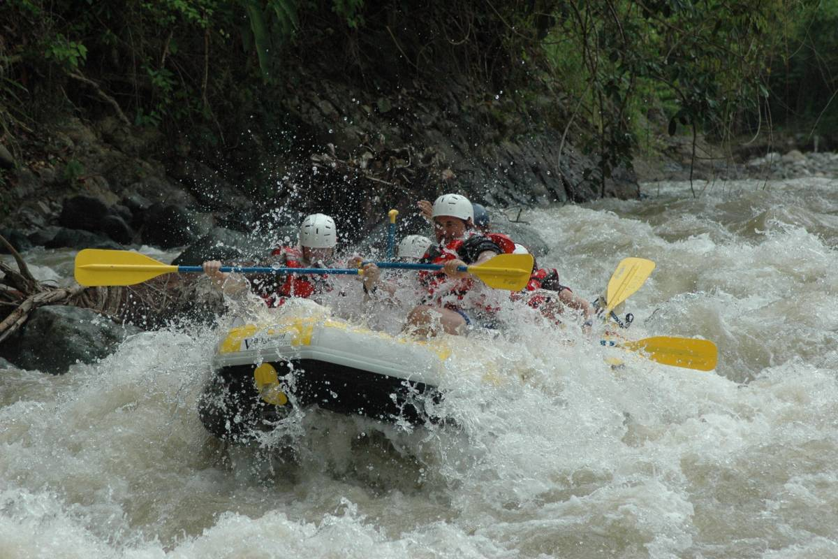 Wild-Trails Easy Rafting in the Apuseni Mountains