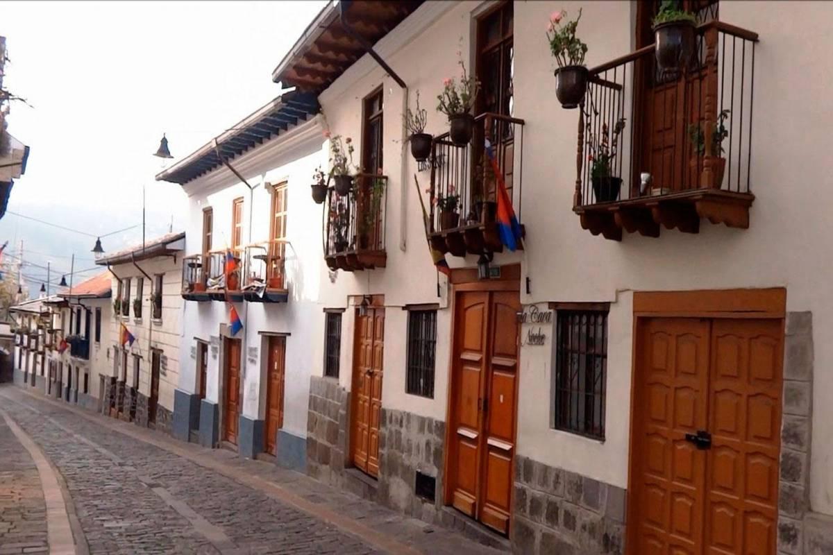 Gray Line Ecuador Authentic Quito