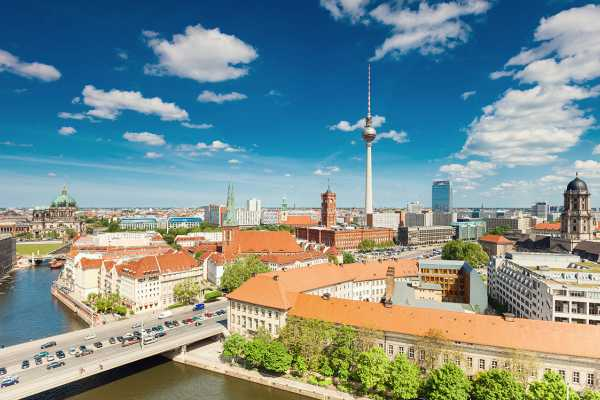 SANDEMANs NEW Europe Berlin General Private City Tour