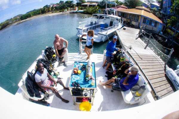 Aquanauts Grenada 2 Tank Morning Boat Trip Incl Gear