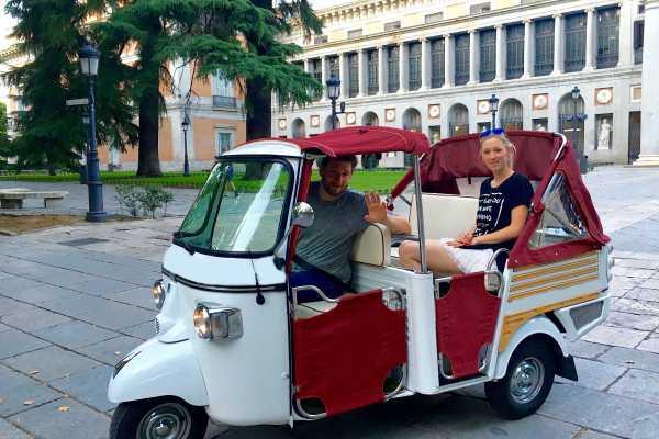 Urban Safari Tours Tuk Tuk: La Latina!!