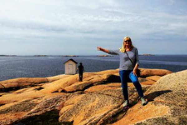 Outdoor West City walk Lysekil 500 years in 2 hrs and 3 languages