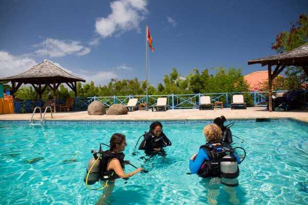 Aquanauts Grenada SGU Open Water Diver Course