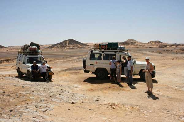 Marsa alam tours Desert Super Safari tour by Jeep From El Gouna