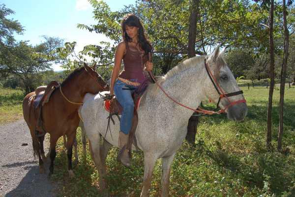 Black stallion ranch Ride the Ranch Horseback Tour