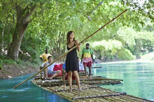 Walkbout International a Blackslate Holdings Group Limited Company Walkbout River Tour – Rio Grande