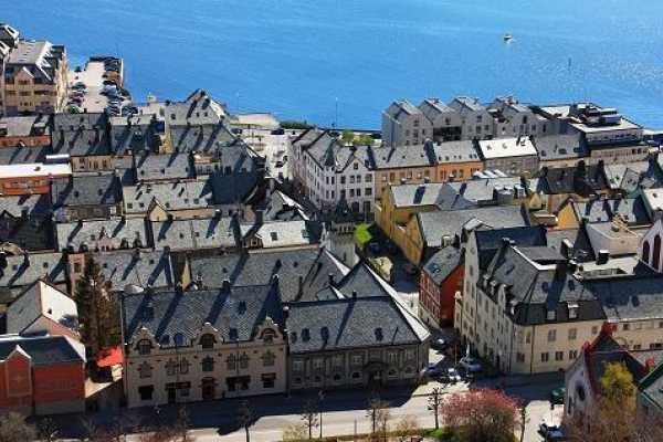 Norway Excursions Alesund Private - The Art Nouveau city walk