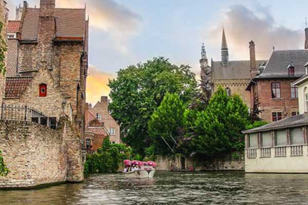 Private Round-trip Transfer from Zeebrugge to Bruges