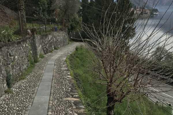 Lookals Lake Como: Walking Tour along Shores an Slopes