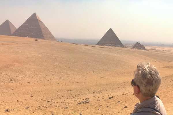 Marsa alam tours Tagestour zu den Pyramiden, dem Ägyptischen Museum und dem Basar von Gizeh