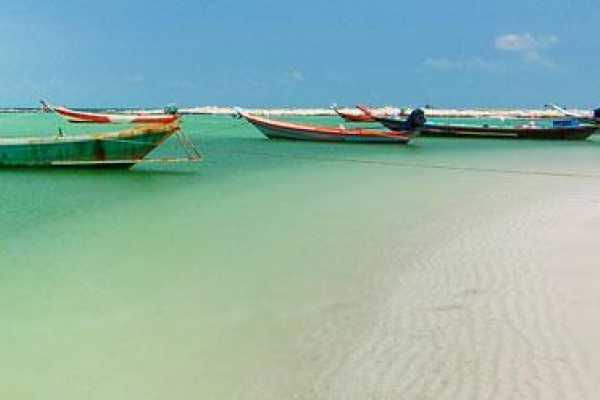 AMICI MIEI PHUKET TRAVEL AGENCY KOH SAMUI - BOAT TOUR AROUND 7 HIDDEN ISLANDS AM130