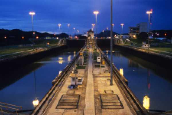 Aventuras 2000 ALAT - CANAL Y CIUDAD DE PANAMÁ 1/2 DÍA