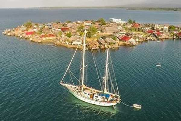 Cacique Cruiser BOAT TO PANAMA -Sovereign Grace Sailboat