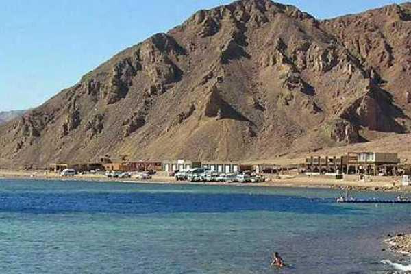 Excursies Egypte Snorkel à Blue Hole, Safari Canyon Blanc et Safari Camel à Charm el Cheikh