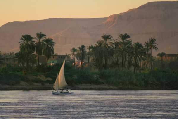 Excursies Egypte Sunset sailboat trip with Banana island