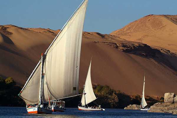 Excursies Egypte Sail trip  with felucca and Visit the Nubian village with motorboat from Aswan
