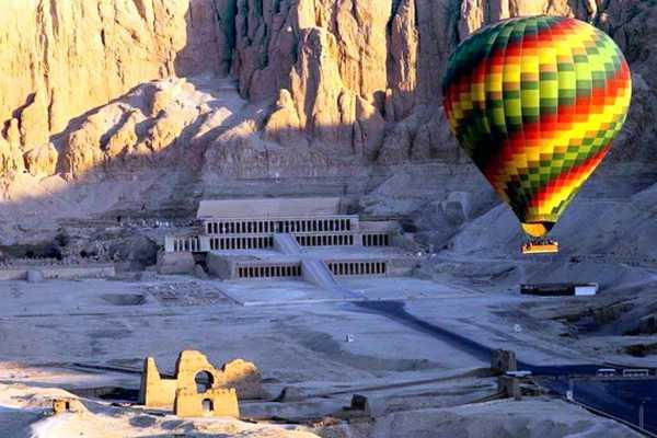 Marsa alam tours luxor two days tour from El Gouna with hotair balloon
