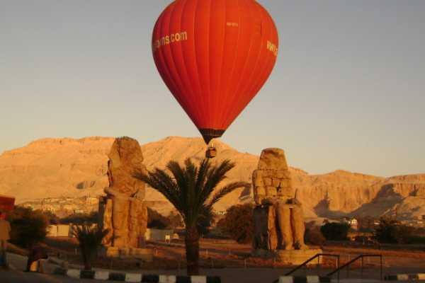 Marsa alam tours Luxor Hotair-Ballonfahrt nach Luxor