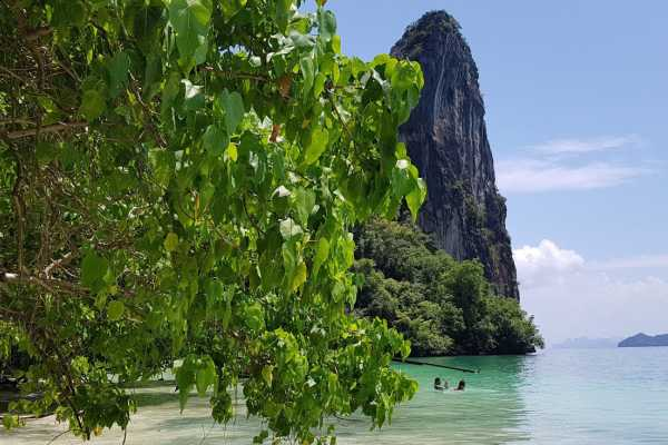 AMICI MIEI PHUKET TRAVEL AGENCY TOUR ALL'ALBA PER JAMES BOND ISLAND