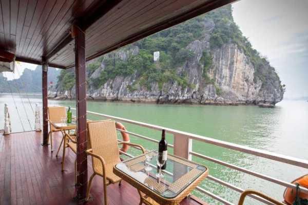 OCEAN TOURS Goldern Bay Cruise 2 Days
