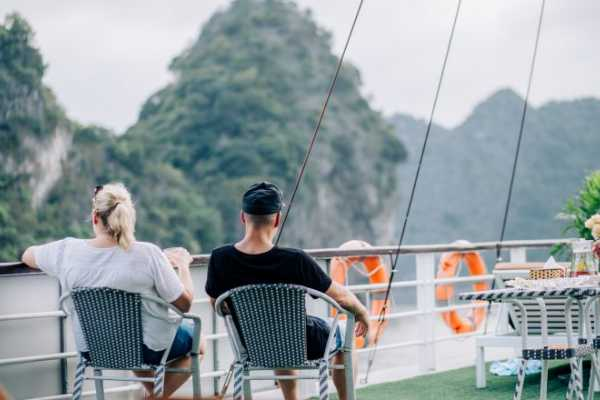 OCEAN TOURS DELUXE Acardy one day cruise
