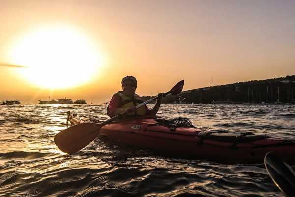 Aktivni Odmor PVT Sunset sea kayaking tour