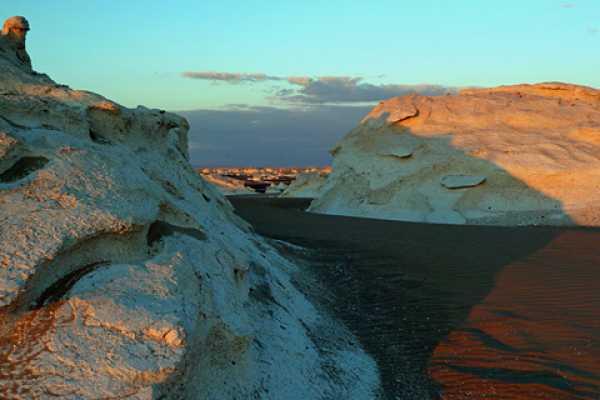 Marsa alam tours 3 days trip White desert and wadi el Hitan from Cairo