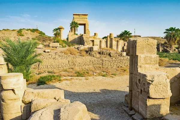 Excursies Egypte Luxor Aswan and Abu Simbel two days tour from Port ghalib