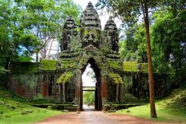 Essential Vietnam & Combodia