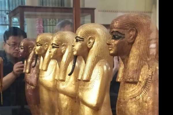 EMO TOURS EGYPT JOUR DE VOYAGE AU MUSÉE ÉGYPTIEN ANCIEN CAIRE & BAZAR