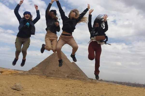 EMO TOURS EGYPT Passeio de um dia PARA A CIDADE DE GIZA PYRAMIDS MEMPHIS DAHSHUR E SAQQARA PIRÂMIDES