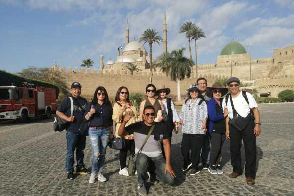 EMO TOURS EGYPT Passeio de um dia AO MUSEU EGÍPCIO CITADEL E COPTA CAIRO