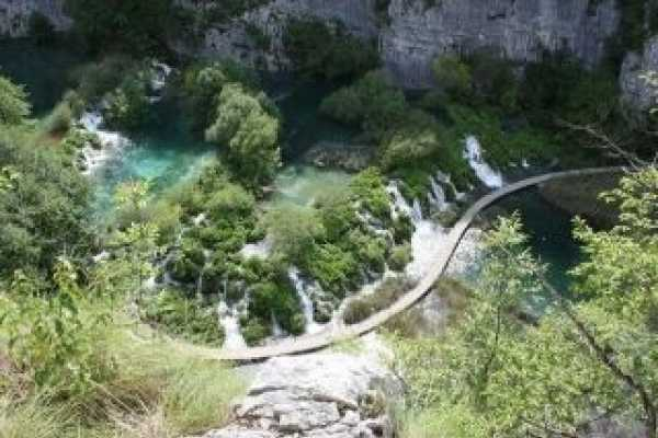 PORTAL TRAVEL AGENCY Plitvice lakes group tour - ZAGREB