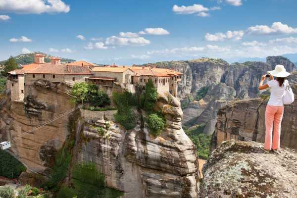 Leventis 360 IKE Meteora Day Trip from Volos
