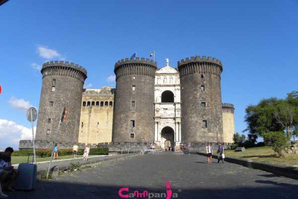 Castles Tour - Napoli