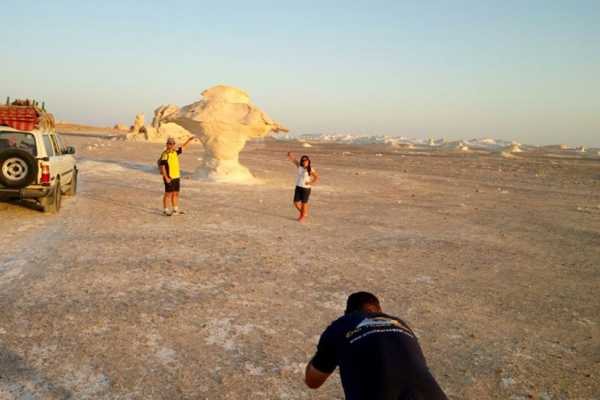 EMO TOURS EGYPT DAY TRIP TO BAHARIYA OASIS VISIT BLACK AND WHITE DESERT FROM CAIRO