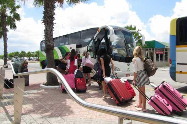 Fofoti Tours & Transfers Aruba Round-Trip Airport Transportation