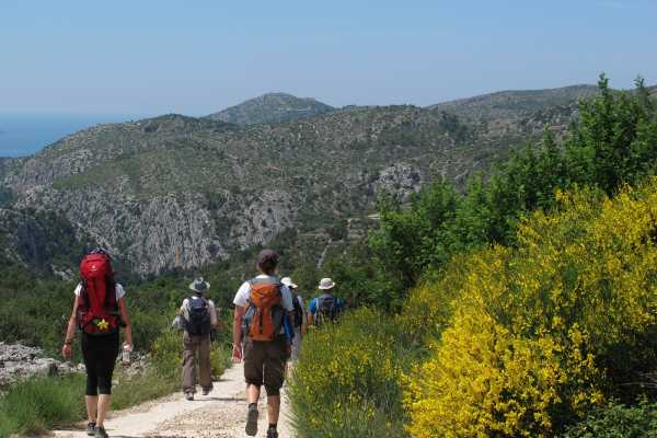 Aktivni Odmor Hike to lost villages of Hvar