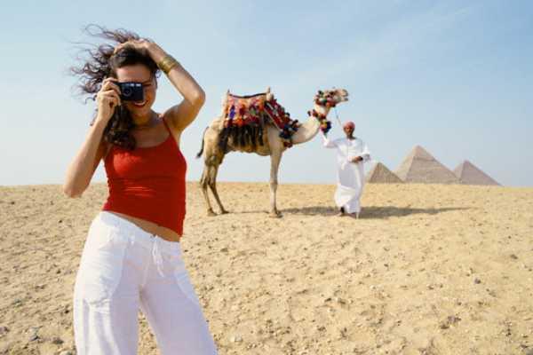 EMO TOURS EGYPT KAIRO FLUGHAFEN TRANSIT TOUREN BESUCH GIZA PYRAMIDE ÄGYPTISCHES MUSEUM BAZAAR & NILE DINNER CRUISE