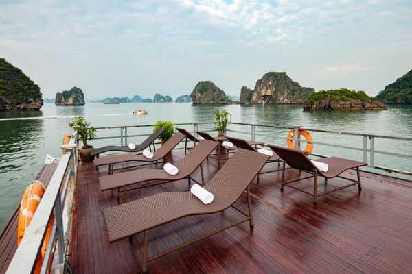 OCEAN TOURS Ha Long Bay 1 Day Cruise **