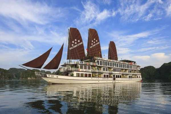 OCEAN TOURS Ocean Sails 2D1N - 5 stars cruise