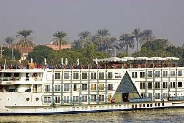 EMO TOURS EGYPT EGITTO CROCIERA SUL NILO DA ASWAN VIAGGI A LUXOR CON LA PRINCIPESSA SARAH