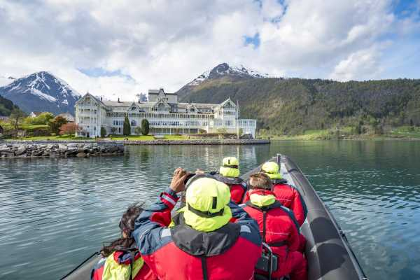 Balestrand fjord sightseeing trip