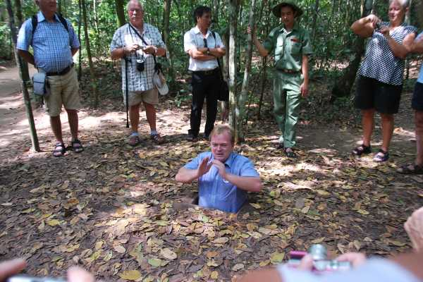 OCEAN TOURS CU CHI TUNNELS - CAO DAI TEMPLE 1 DAY TOUR