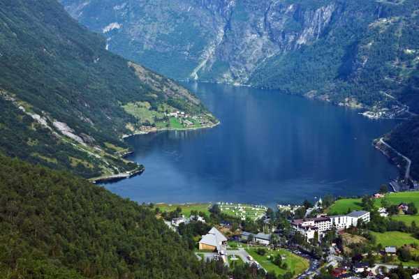 Norway Excursions Olden den majestetiske Geirangerfjorden