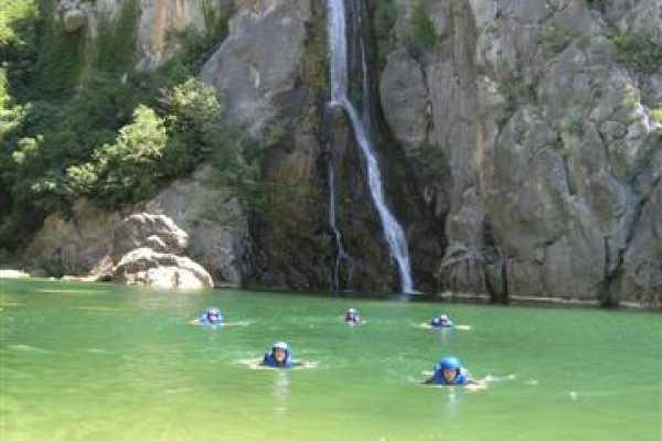 Canyoning       www.raft.hr
